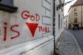 V centre Bratislavy posprejovali nápismi kostoly aj kláštor