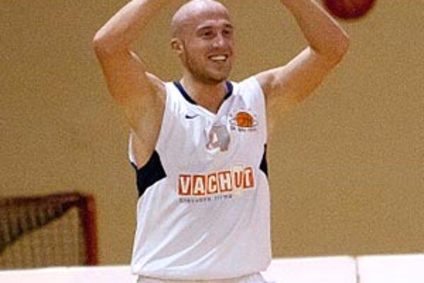 Nitrianski basketbalisti (na snímke Milan Žiak) a spolu s nimi aj fanúšikovia sa môžu tešiť na európsku súťaž.