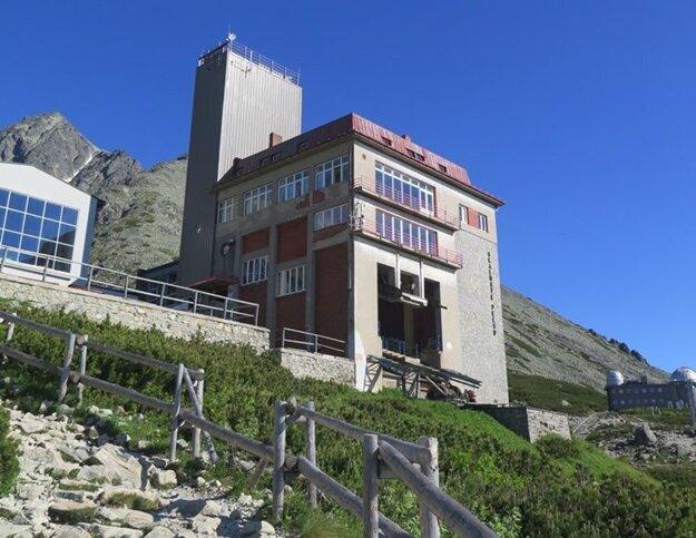 Budova Encián pred rekonštrukciou.