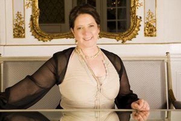 Kathy Kelly bude v koncertovať v nedeľu v Piaristickom kostole.