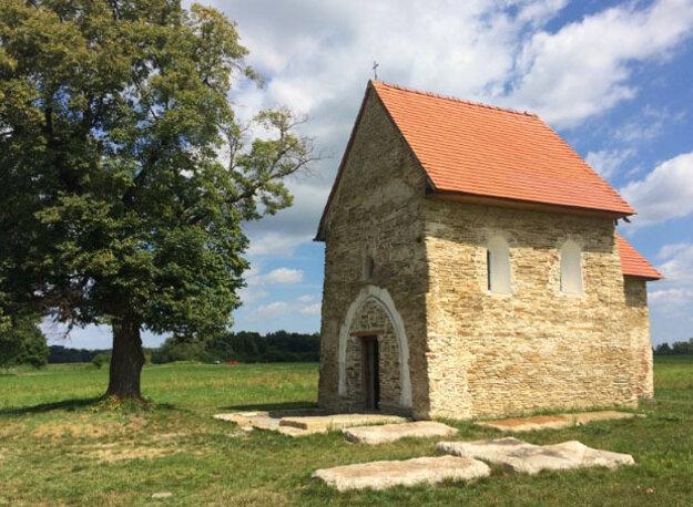 Kostolík svätej Margity Antiochijskej leží pri Kopčanoch neďaleko významného archeologického náleziska z čias Veľkej Moravy Mikulčice-Valy.
