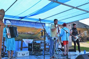 Tuháčania sa už o 11 krát zabávali na folklórnom popoludní.