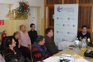 Protikorupčný seminár organizovali Transparency International a Združenie občanov miest a obcí Slovenska.