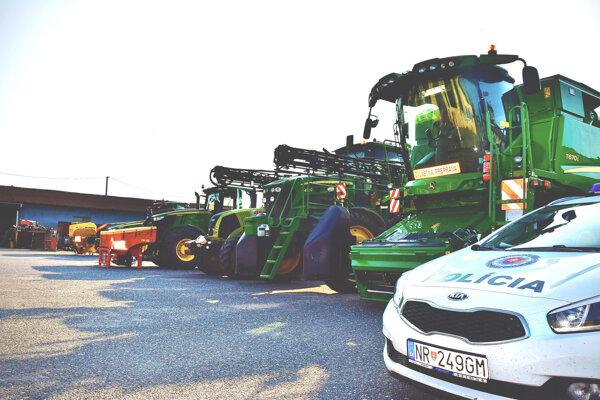 V Nitrianskom kraji sa rozmáhajú krádeže GPS lokátorov z traktorov a poľnohospodárskych strojov.