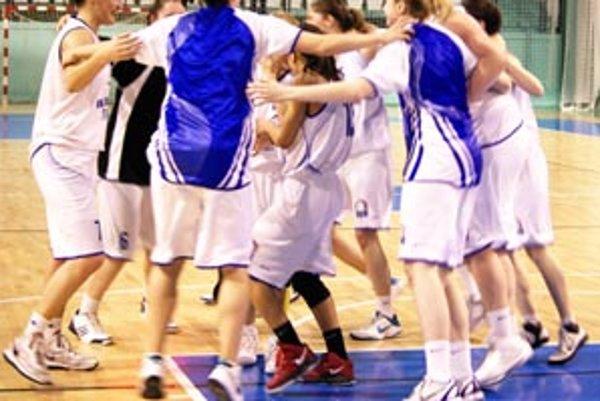 Nitrianske basketbalistky sa tešia zo zaslúženého postupu do semifinále play-off.