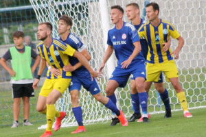 Futbalisti Trebišova sa pohybujú na špici druhej ligy.