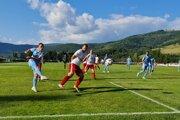 Slovan Bratislava búšil do defenzívy Málinca. Na jej čele však stál skvelý gólman Janšto, ktorý odolával 30 minút.