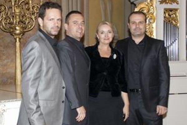 Koncom minulého roka sa La Gioia predstavila aj na Zlatom večere Evy Pavlíkovej.
