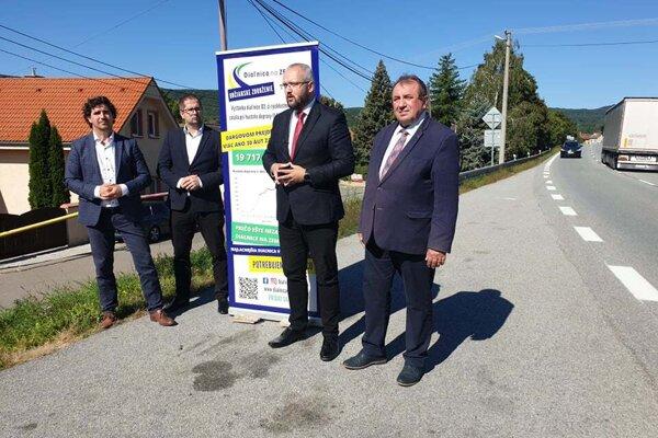 Tlačová beseda OZ Diaľnica na Zemplín.