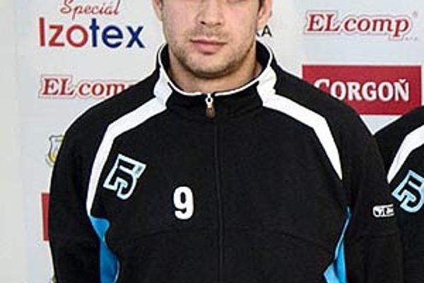 Martin Suchý musel odcestovať domov pre zranenie ramena.
