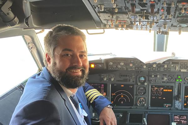 Kapitán Boeingu Michal Ličko.