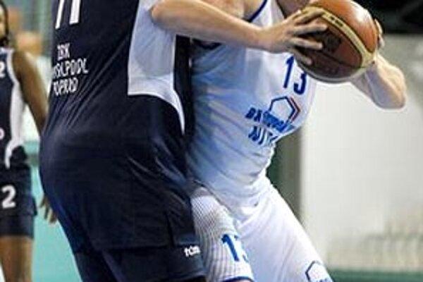 S loptou Lucia Krč-Turbová, autorka 14 bodov.