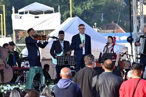 Vystúpenie hudobnej skupiny Kandráčovci.