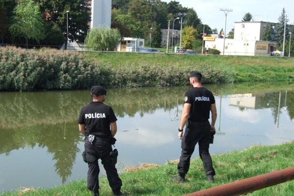 Muža vytiahli z rieky na tomto mieste.