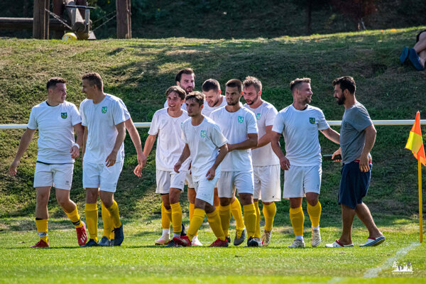 Ako prví si dnes postup do jarného štvrťfinále vybojovali hráči Kolíňany.