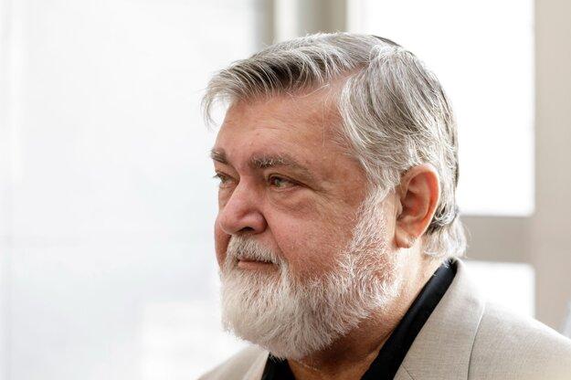 Operný spevák Peter Dvorský.