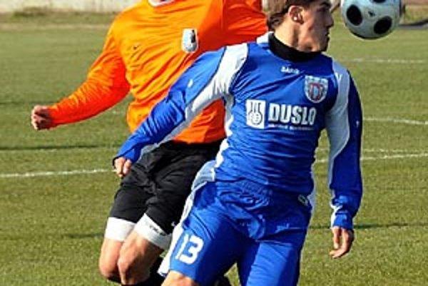 V modrom drese Šaľan Patrik Zajac.