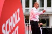 Kandidát Sociálnodemokratickej strany Olaf Scholz sa deň pred nemeckými parlamentnými voľbami stretol so svojimi voličmi v Postupime.