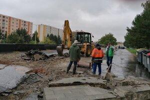 Oprava parkoviska na Šváboch sa začala v závere minulého týždňa.