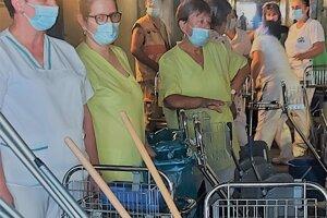 V košickej univerzitnej nemocnici už neupratuje zazmluvnená firma, ale od leta po vyše dvoch desaťročiach vlastní zamestnanci.