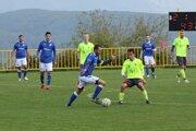 V derby zápase V. ligy si Kanianka doma suverénne poradila so Zemianskymi Kostoľanmi.
