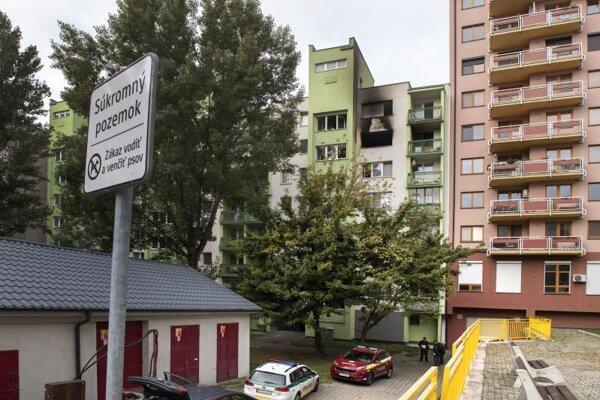 Byt na siedmom poschodí po výbuchu v bratislavskom Ružinove.