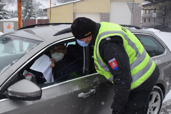 Od piatka sa menia opatrenia pri vstupe na Slovensko