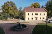 Zrekonštruovaný takzvaný malý kaštieľ v kaštieľskom areáli v Snine.