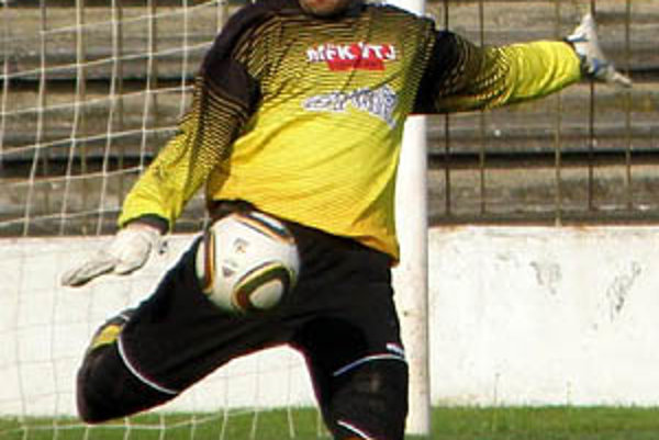 Gólman Attila Anda je kmeňový hráč Šale. Na jar hosťoval v Topoľčanoch, teraz sa presúva do Serede.