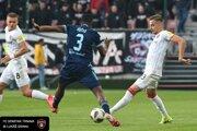 Momentka z úvodných minút derby zápasu Spartak Trnava.