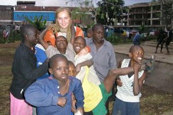 """Dária a """"jej"""" deti z afrických slumov."""