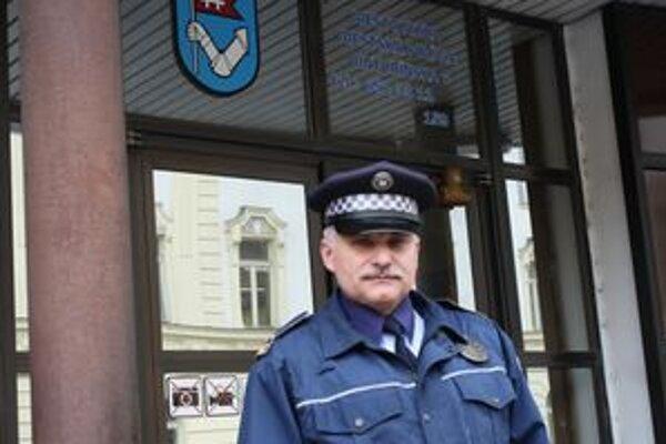 Preventista mestskej polície Miroslav Duchoň hovorí, že záchytka by pomohla riešiť problém s opitými v uliciach.