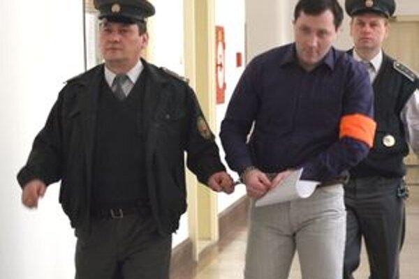 Petra poslal okresný súd do väzenia na sedem rokov. Zatiaľ nepovedal, či sa odvolá.