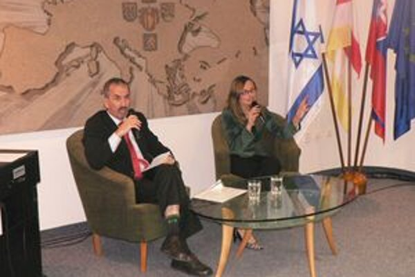 Knihu  Blanky Bergerovej uviedol jej syn Avihou Efrat.