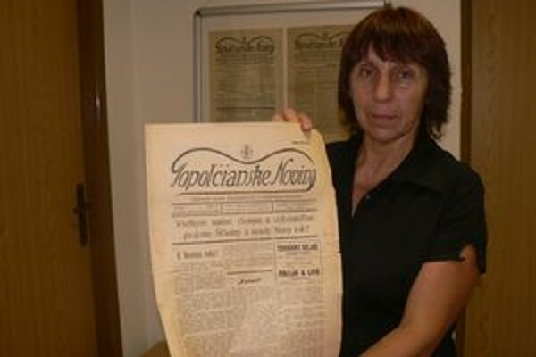 Riaditeľka archívu Oľga Kvasnicová momentálne pracuje na sprístupňovaní cirkevného fondu.