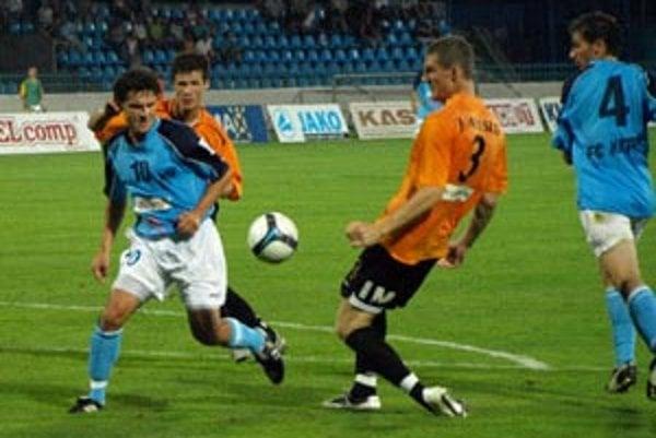 Nitra porazila Ružomberok 2:0 a zostáva na čele tabuľky Corgoň ligy.