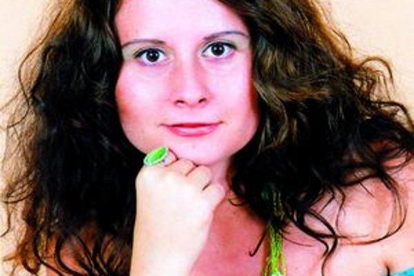 Zuzana Orelová šepká hercom v Divadle Andreja Bagara. Ako tvrdí, vždy je v strehu.