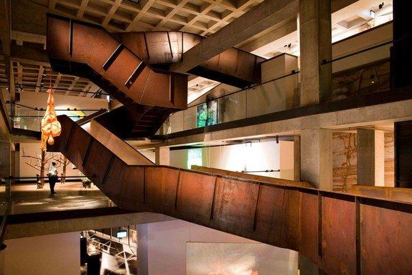Interiér galérie MONA v Tasmánii.
