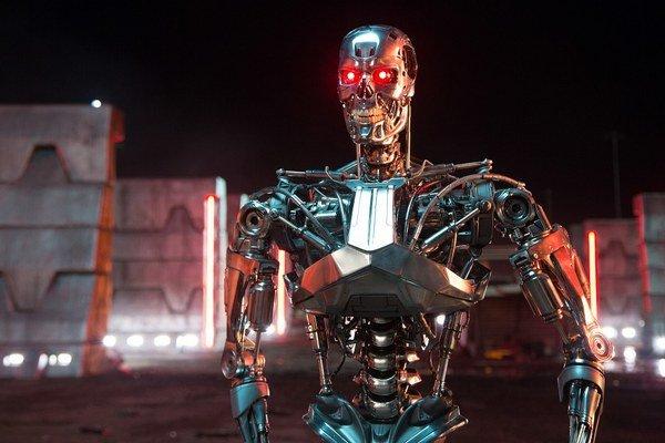 Terminátor T-800 vo filme Terminator Genisys.