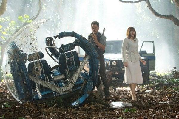 Biológa Owena Gradyho si zahral herec Chris Pratt, ktorý zahviezdil vo filme Strážcovia galaxie.