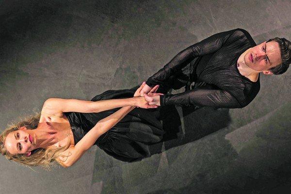 Kristína Luptáková a Andrej Szabo v predstavení The Tempest.