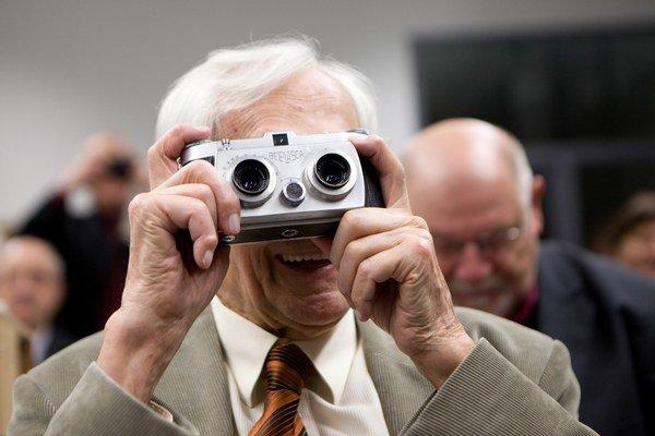 Cestovateľ Miroslav Zikmund už oslávil 95 rokov.