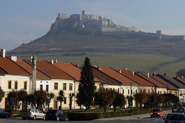 Spišský hrad ešte zatiaľ zástupy cudzincov neobjavili.