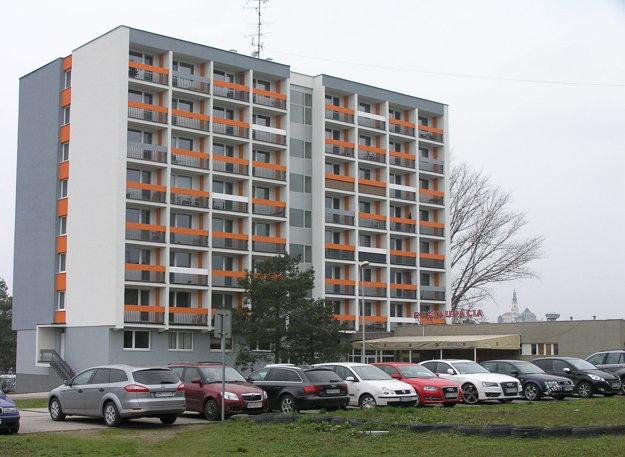 Bývalý mestský hotel Olympia sa zmenil na bytový dom.