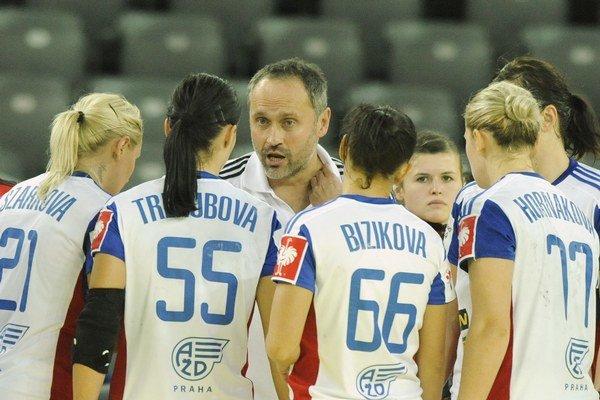 Slovenské hádzanárky úvodný zápas kvalifikácie prehrali.