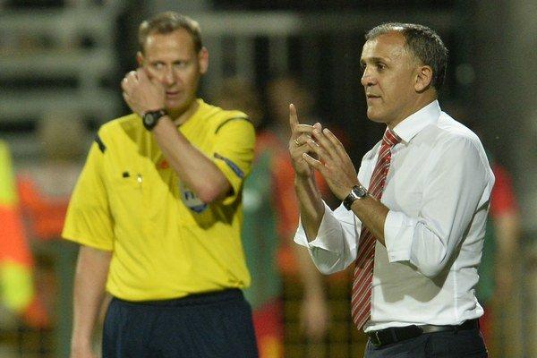 V júni ešte viedol Drulovič macedónsku reprezentáciu v kvallifikačnom zápase proti Slovensku v Žiline.
