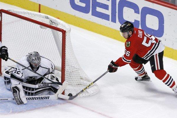 Slovenský hokejista sa gólovo dočkal hneď v druhom dueli v drese Blackhawks.
