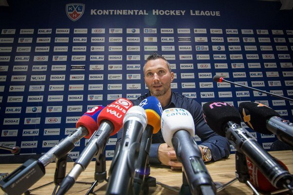 Višňovského príchod vzbudil značný záujem medzi fanúšikmi, ako  aj médiami.
