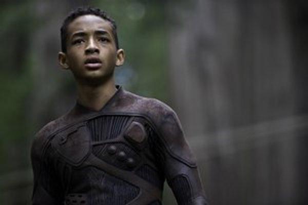 Jaden Smith je síce talentovaný, ale vo filme, ktorý je práve v našich kinách, sa mu o tom nedarí presvedčiť.