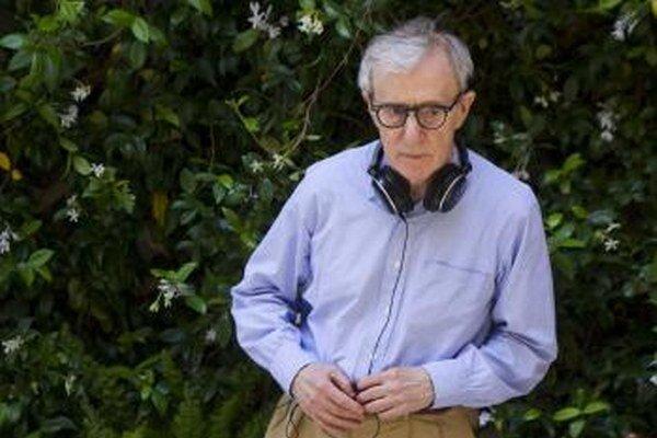 Americký režisér Woody Allen počas  natáčania.